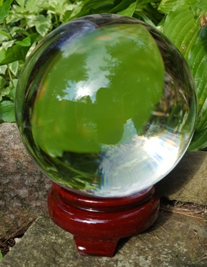 110 mm real quartz crystal ball with instructions on how to read a crystal ball