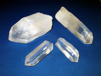 natural quartz points for crystal healing and chakra balancing