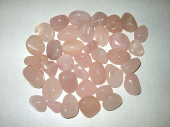 how to use crystals - tumbled rose quartz for love and healing and weight loss